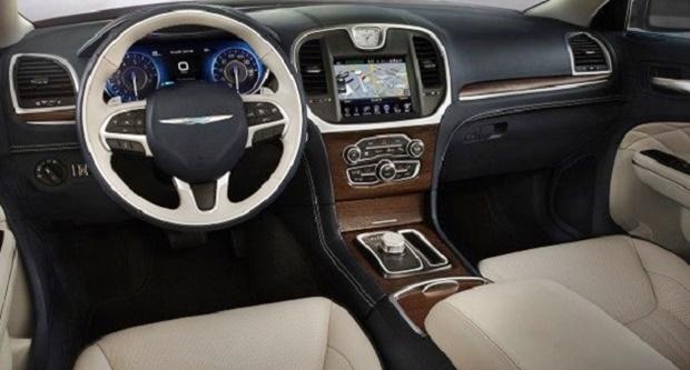 2018 Chrysler 300 SRT8 Interior