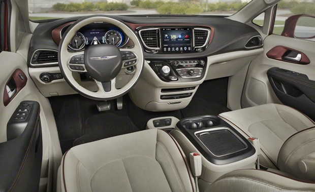 2018 Chrysler Pacifica Hybrid Interior