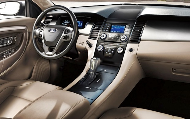 2018 Ford Taurus Sho Interior